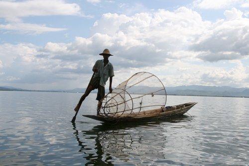 דייג בבורמה
