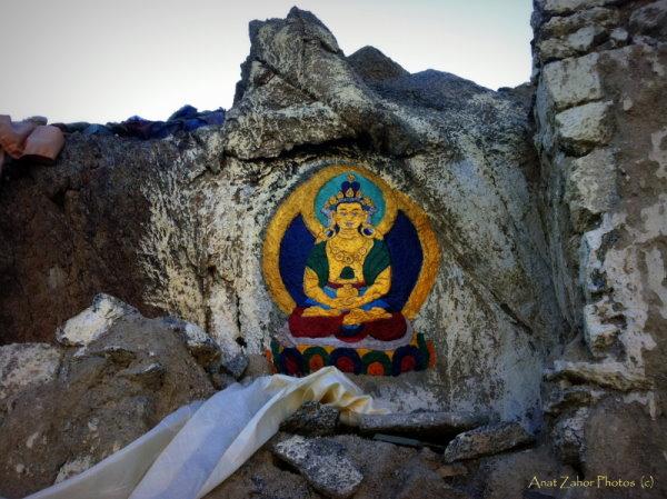 ציור בודהה בנופי לדאק