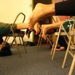 סדנת יוגה עם עזרים